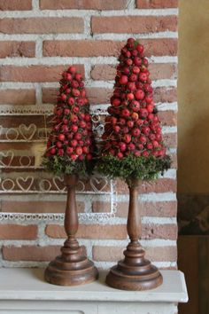 Apple trees by the fireplace Christmas decorations- # Apple trees . Apple trees on the fireplace Christmas decorations # apple trees Christmas Tree Crafts, Cool Christmas Trees, Natural Christmas, Christmas Candles, Rustic Christmas, Beautiful Christmas, Christmas Themes, All Things Christmas, Holiday Crafts
