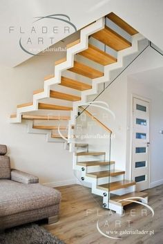 Striking floating staircase - have a look at our report for more good tips! Winding Staircase, Floating Staircase, Open Staircase, Escalier Art, Glass Stairs, Glass Stair Railing, Building Stairs, Steel Stairs, Stair Lighting