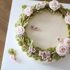 꼬꼬마 재이 세살 축하해 - #flowercake #flowercakeclass #mydearcake #mydear #korea #wilton…