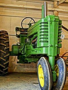 John Deere Tractor G