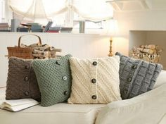 make adorable recycled sweater pillow covers! Sweater Pillow, Old Sweater, Dog Sweaters, Cardigan Sweaters, Diy Projects To Try, Craft Projects, Craft Ideas, Project Ideas, Decorating Ideas
