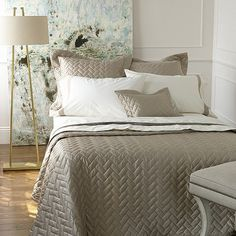 Just as the seasons change so do our moods and lifestyles. A great way to relax and enjoy this quiet evenings that come along with fall is to change out your bedding.