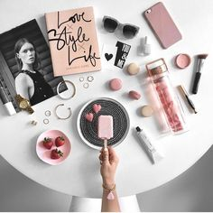 Happy Monday beautiful people Valentines Day is t Flat Lay Photography, Video Photography, Beauty Photography, Food Photography, Fixer Up, Flat Lay Inspiration, Career Inspiration, Plate, Flatlay Styling