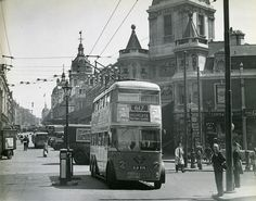Smithfield, Charterhouse Street & Farringdon Road by London Bus, London Bridge, Old London, Time In England, Buses And Trains, London Architecture, The Blitz, Piccadilly Circus, London Transport