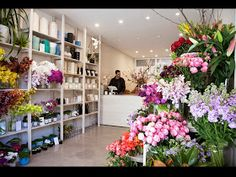 blooming lovely: hermetica flowers and jai Flower Shop Decor, Flower Shop Design, Florist Shop Interior, Flower Shop Interiors, Garden Center Displays, Office Color Schemes, Flower Cafe, Flower Boutique, Arte Floral