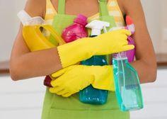 Aqui neste post tem várias dicas para você limpar cada cantinho da cozinha, Mãos à obra LIMPEZA DE TODO DIA   Lavar louça:Lave primeiro os copos, pratos, talheres e depois vasilhas plásticas, panelas e refratários   Limpe fogão:com esponja macia e detergente. Não use bombril nem produtos abrasivos.   LIMPE O FOGAO…