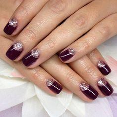 """#nailsbycatrina #gelnails #purplenails #goldnails"""