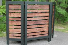 Learn how to build this stylish Garbage Can Privacy Screen! It is an easy build, and great for hiding air conditioning units, meters, and trash cans!