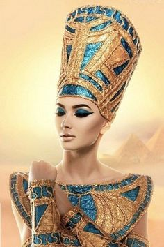 GESARA: No Poverty, No Hunger, No Debt, Global Prosperity and Peace / BlissfulVisions.com Egyptian Eye Makeup, Cleopatra Makeup, Egyptian Beauty, Egyptian Queen, Egyptian Art, Egyptian Goddess Costume, Egypt Concept Art, Ancient Egypt Art, Burlesque