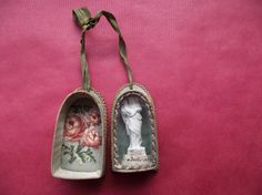 Antique french reliquary for travel- religious statue-  Virgin mary and jesus-devotion-1800circa