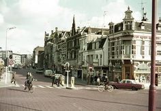 De Leidseweg in Utrecht tussen de Catharijnesingel en het Stationsplein omstreeks 1961