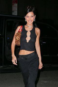 Bella Hadid Outfits, Bella Hadid Style, Mrs Bella, Early 2000s Fashion, Looks Vintage, Looks Style, Fashion Outfits, Womens Fashion, Edgy Outfits