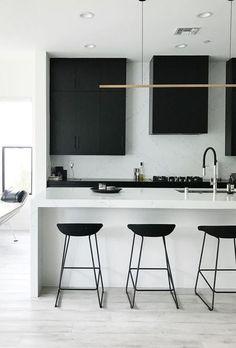 black and white modern kitchen design idea