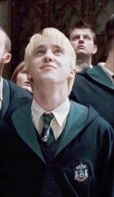 Mundo Harry Potter, Harry Potter Draco Malfoy, Harry Potter Characters, Harry Potter Memes, Draco Malfoy Aesthetic, Harry Potter Aesthetic, Slytherin Aesthetic, Hogwarts, Dramione