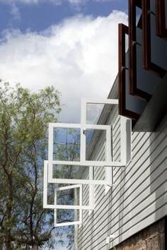 Elliott Ripper House exterior view of pivot windows