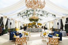 Event Design From Oscars, Golden Globes, Emmys Red Color Schemes, Golden Design, Italian Garden, Ceiling Decor, Lounge Areas, Fashion Room, Golden Globes, Table Decorations, Oscars