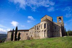 Pieve di San Pietro a Romena, Pratovecchio (Arezzo) Early Middle Ages, Toscana, Unique Architecture, Visit Italy, St Francis, Medieval Castle, Kirchen, Lucca, Mountain View