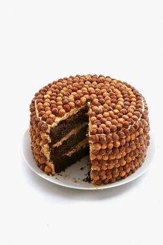 The Giant Crunchy Chocolate–Peanut Butter Cake