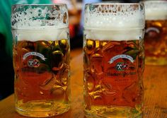 What to drink at Oktoberfest! This Oktoberfest drinks guide will walk you through your options so that you are prepared to hit up the world's largest beer festival - Munich, Germany's Oktoberfest. What Is Oktoberfest, Oktoberfest Food, Burning Man, Munich Food, Beer Types, Bavarian Recipes, Indie, Destinations, American Beer