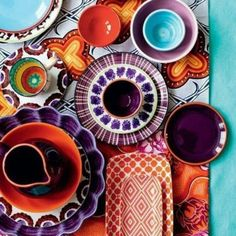 Colorful pottery to mix and match