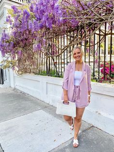 Spring in Charleston! This only blooms like this for one week a year White Tube Tops, Blazer And Shorts, My Spring, Shades Of Purple, Summer Wardrobe, Warm Weather, Charleston, Lifestyle Blog, Classy