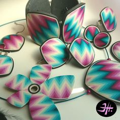 Polymer clay Chevron jewllery by Jana Honnerova. Tutorial available
