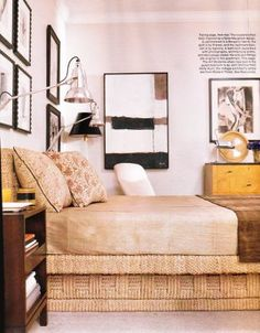 Rope and Mirrored Furniture decor bed shot. Cozy Bedroom, Master Bedroom, Modern Platform Bed, Building Furniture, Mirrored Furniture, Guest Bedrooms, Guest Room, Elle Decor, My Dream Home