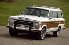 st.motortrendenespanol.com uploads sites 45 2016 10 1991-Jeep-Grand-Wagoneer-front-three-quarter.jpg