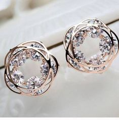 Nails Glitter Rose Gold Sparkle Ideas For 2019 Cute Jewelry, Jewelry Box, Unique Jewelry, Jewelry Accessories, Fashion Accessories, Fashion Jewelry, Gold Fashion, Bijoux Or Rose, Rose Gold Earrings