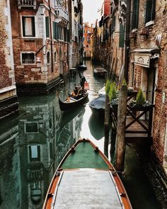 Venice Vacation Destinations Getting To Venice For Amazing Venice Vacations Venice Vacation Destinations. Venice Italy Restaurants, Best Hotels In Venice, Venice Italy Hotels, Gondola Venice, Venice Canals, Carnival Venice, Carnival Masks, Venice Beach, Carnival Costumes