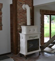 tradycyjny piec kaflowy Antique Stove, Stove Fireplace, Wood Burner, Decoration, Architecture Design, Household, Sweet Home, Home Appliances, Modern