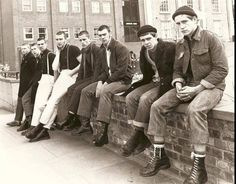 Docs&Chanel: From the Factory to Youth Culture: A Brief History of Doc Martens - March 03 2019 at Skinhead Boots, Skinhead Fashion, Skinhead Style, Skinhead Reggae, Uk Culture, Youth Culture, Mod Fashion, Punk Fashion, Dr. Martens