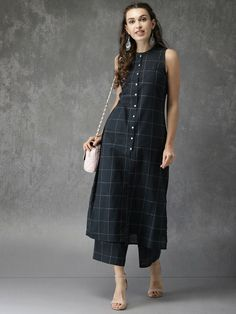 Indian kurta dress With Pant palazzo newTopTunic Set blouse Combo Ethnic Bottom Simple Kurti Designs, Kurti Neck Designs, Kurta Designs Women, Kurti Designs Party Wear, Stylish Dresses, Women's Fashion Dresses, Indie Comics, Winter Typ, Dress Indian Style