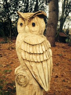 Wood Carving Art, Wood Art, Tree Sculpture, Garden Sculpture, Garden Projects, Wood Projects, Chicken Crafts, Whittling, Wood Cutting