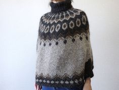 Ravelry: Lopi Poncho pattern by Keiko Okamoto (岡本啓子) Knitting Designs, Knitting Projects, Knitting Patterns, Poncho Patterns, Crochet Patterns, Crochet Shirt, Knit Crochet, Crochet Vests, Crochet Cape