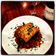 Best Home Chef Recipe -- Pan Fried Snapper with Cannellini Beans and Tomato #food #dinner #fish