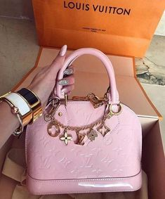 2019 New Louis Vuitton Handbags Collection for Women Fashion Bags . - 2019 New Louis Vuitton handbags collection for women fashion bags … – OutFit____ - Luxury Purses, Luxury Bags, Luxury Handbags, Fashion Handbags, Purses And Handbags, Fashion Bags, Cheap Handbags, Popular Handbags, Pink Handbags