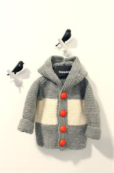 Whit's Knits: The Wonderful Wallaby! - The Purl Bee - Knitting Crochet Sewing Embroidery Crafts Patterns and Ideas! Knitting For Kids, Baby Knitting, Baby Boy Fashion, Fashion Kids, Baby Boy Outfits, Kids Outfits, Pull Bebe, Baby Sweaters, Cool Kids