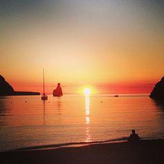 Cala Benirràs en San Juan Bautista, Ibiza. - http://sixt.info/Ibiza-pinterest - #naturaleza #Ibiza #playa