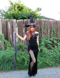 Fashion blogger La Carmina wears a spooky Gothic witch costume. More photos: http://www.lacarmina.com/blog/2012/09/best-halloween-costumes-2012-elegant-witch-gown-hat-long-goth-dress-leg-slit/