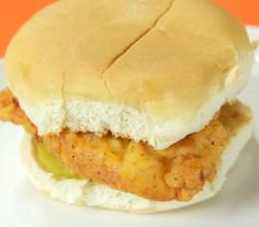 chick fil a chicken sandwich recipe -- for all those who want the taste without having to go to the restaurant (especially in light of recent interviews) DESIREE THIS IS THE ONE! Chick Fil A Chicken Sandwich Recipe, Chick Fil A Recipe, My Recipes, Cooking Recipes, Favorite Recipes, Copycat Recipes, Restaurant Recipes, I Love Food, Cravings