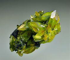 bijoux-et-mineraux:  Titanite - Austria