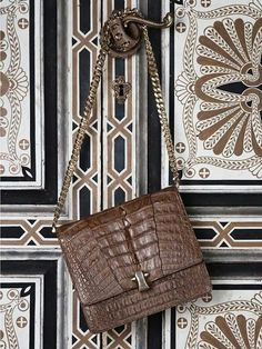 Zapatos, bolso y complementos on Pinterest | Chanel, Giorgio ...