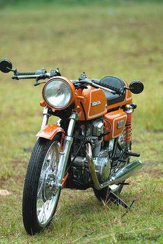 Honda CB 200 Cafe Racer ~