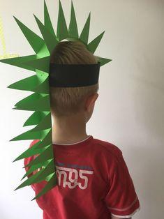 Make your own dino hat - Kinderquatsch - fun craft Crazy Hat Day, Crazy Hats, Dinosaur Hat, Dinosaur Crafts, Dino Craft, Diy For Kids, Cool Kids, Crafts For Kids, Toddler Crafts