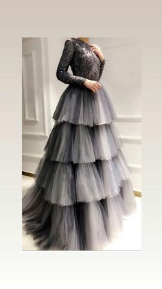 Buy Online gowns for women in India. Aasvaa has the Best Collection of Beautiful Gowns, party wear gowns, long gowns, wedding gowns & drape gowns for various occasion at the best price. Indian Gowns Dresses, Indian Fashion Dresses, Indian Designer Outfits, Pakistani Dresses, Designer Dresses, Fashion Outfits, Indian Anarkali, Modest Fashion, Party Wear Dresses