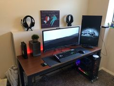 Moving was the perfect excuse to freshen up my setup. Best Computer For College, Simple Computer Desk, Computer Diy, Best Gaming Setup, Gaming Room Setup, Office Setup, Pc Setup, Home Office, Computer Desk Setup