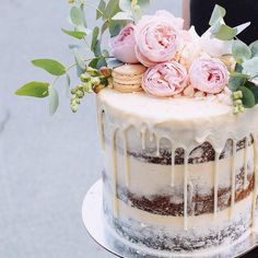 Half-naked wedding cake with red peonies and macaron wedding cake . Half-naked wedding cake with red peonies and macaron wedding cake . - Half-naked wedding cake with red peonies and mac. Pretty Cakes, Beautiful Cakes, Nake Cake, Engagement Cakes, Engagement Parties, Wedding Cake Inspiration, Wedding Ideas, Drip Cakes, Creative Cakes