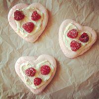 Sweet Heart Pavlovas