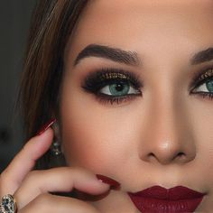 """Emerald Green colored contacts - @vegas_nay """"they are Solotica in Esmeralda from @ahrar_q8 https://instagram.com/ahrar_q8/ """"  Brazilian colored contact lenses Solotica #eye #color #contacts #makeup"""